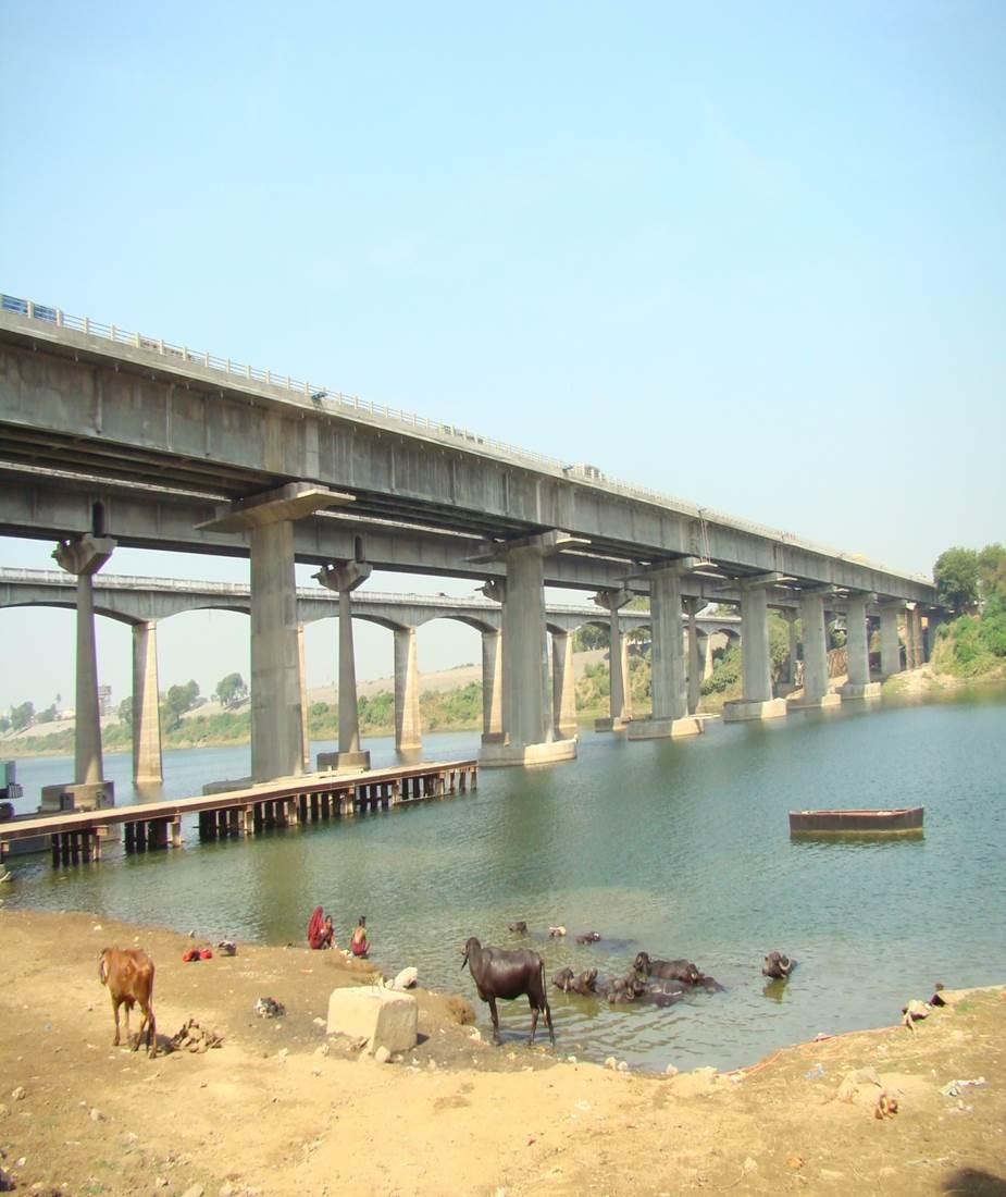 BRIDGE ON RIVER TAPI